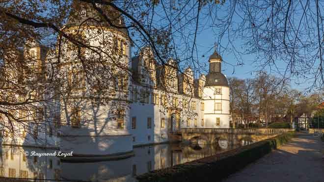 neuhaus castle paderborn
