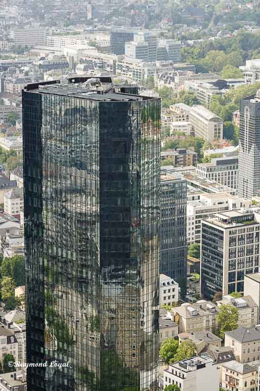 frankfurt main skyscraper