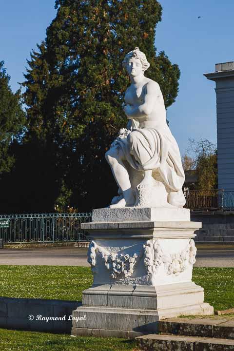 benrath palace flora sculpture