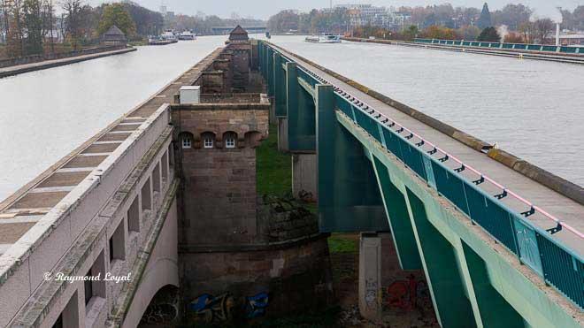 waterways crossing minden trough bridge