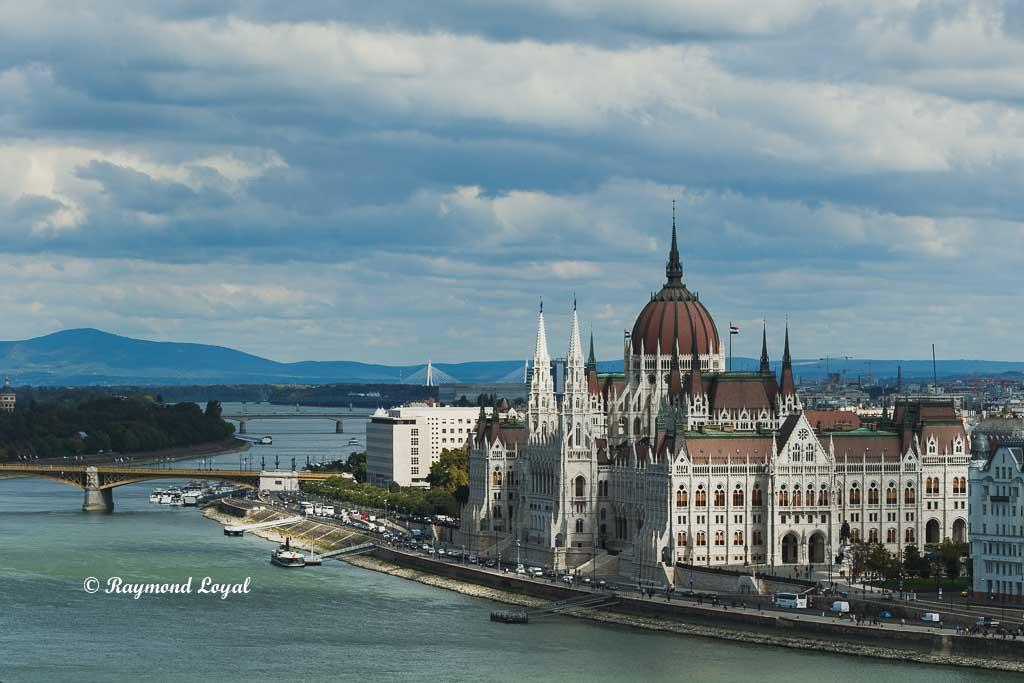 budapest altstadt parlamentsgebaeude