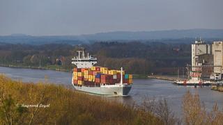 nord-ostsee-kanal container schiff wasser