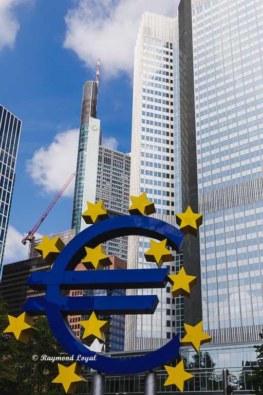 frankfurt bankenviertel euro