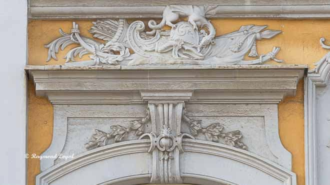 schloss augustusburg risalit suedseite ornament