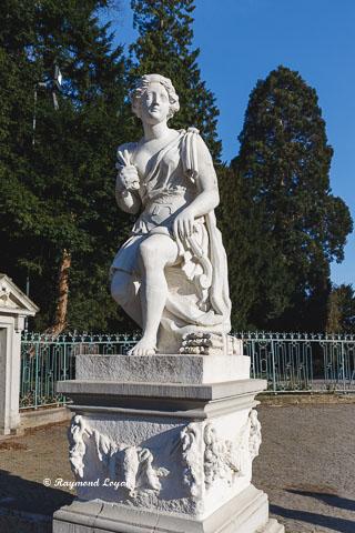 schloss benrath skulptur atalante