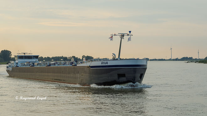 binnenschiff gastankschiff ms riva fluss rhein