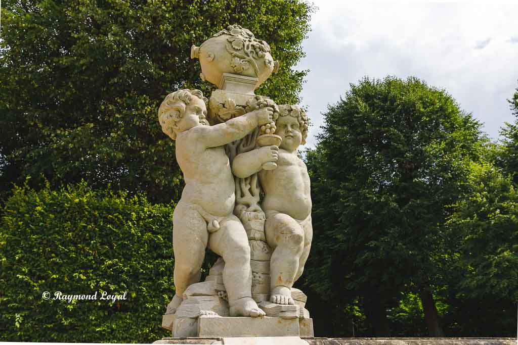 gosssedlitz baroque garden puti