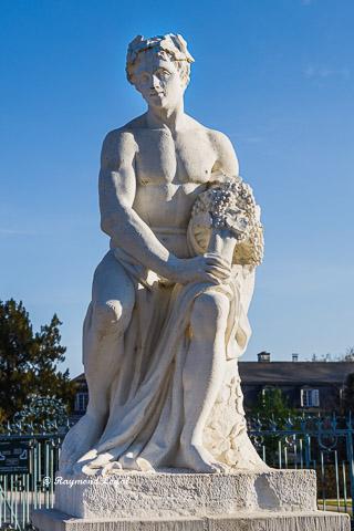 schloss benrath skulptur bacchus