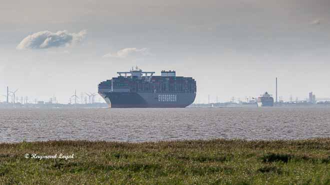 container ship river elbe