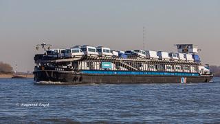 Binnenschiff autotransporter fluss rhein