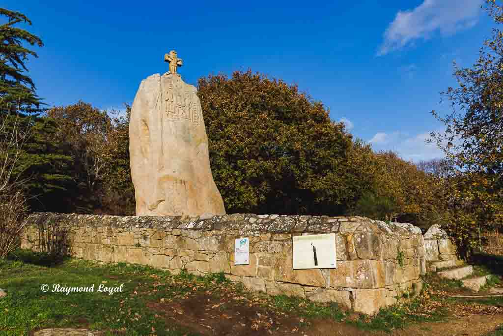 menhir saint uzec france
