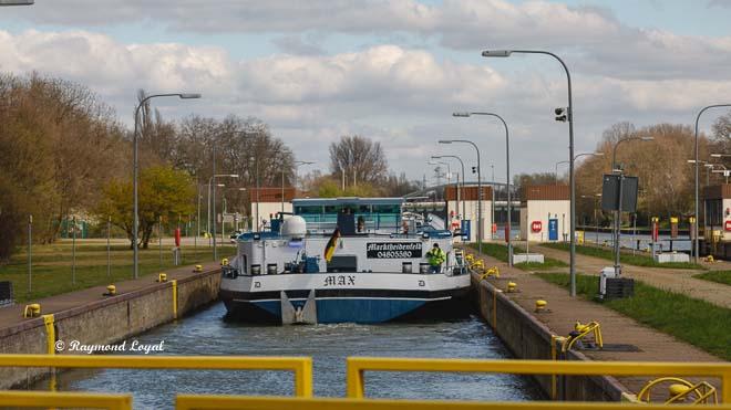 rhein-herne-kanal schleuse oberhausen