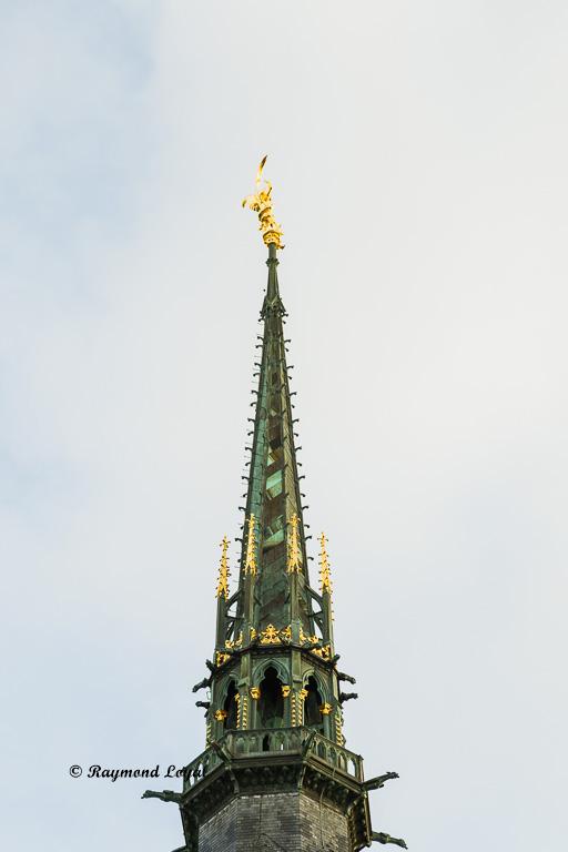 mont saint-michel turmspitze goldene figur michael