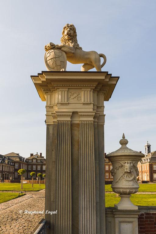 nordkirchen palace lions gate right gate post