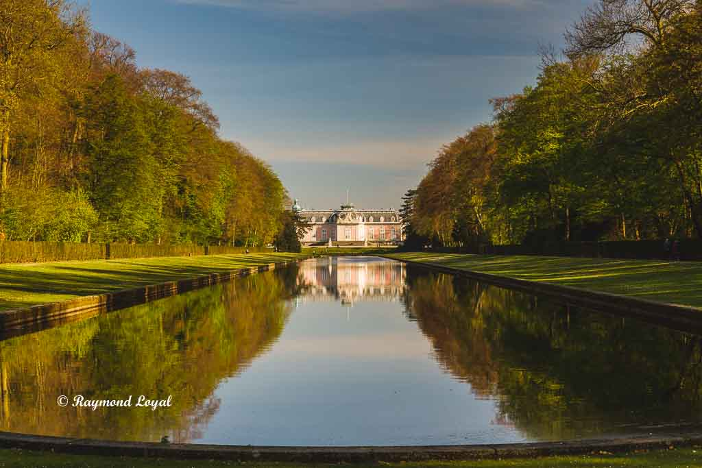 benrath palace mirroring pond