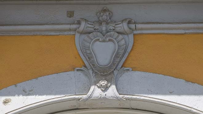 schloss augustusburg bruehl ornamente fensterboegen