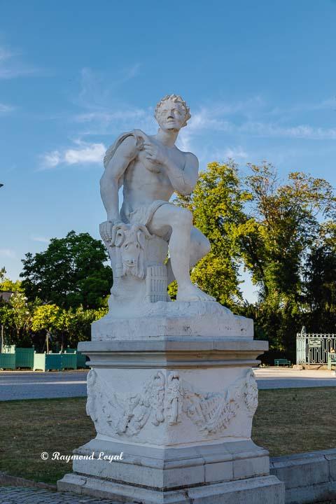 benrach palace pan sculpture