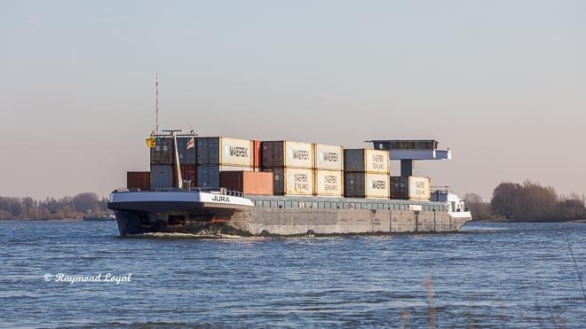 container schiff rhein