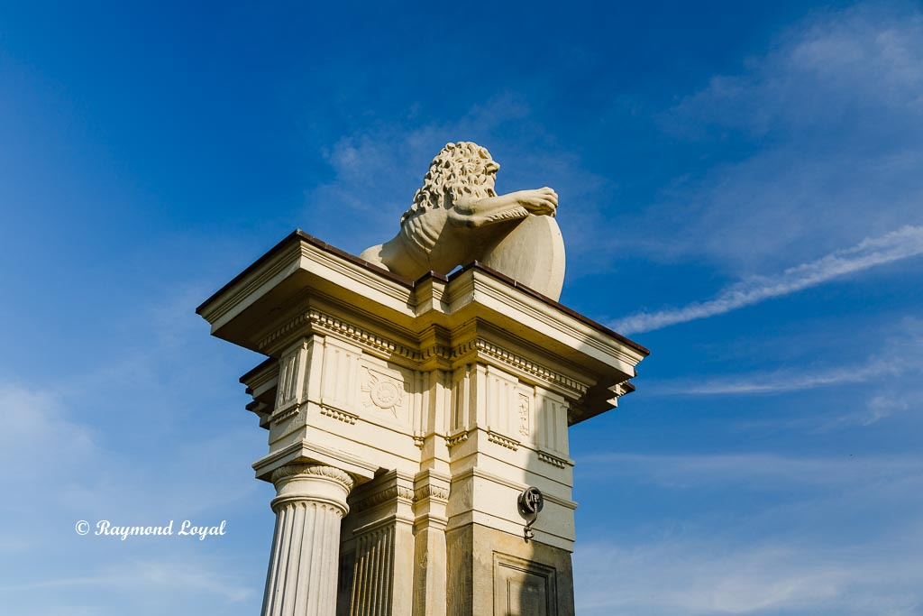 nordkirchen palace lions gate post