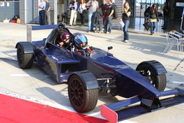 Formel wagen fahren