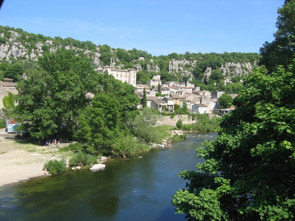 Vogüé en bordure de l'Ardèche