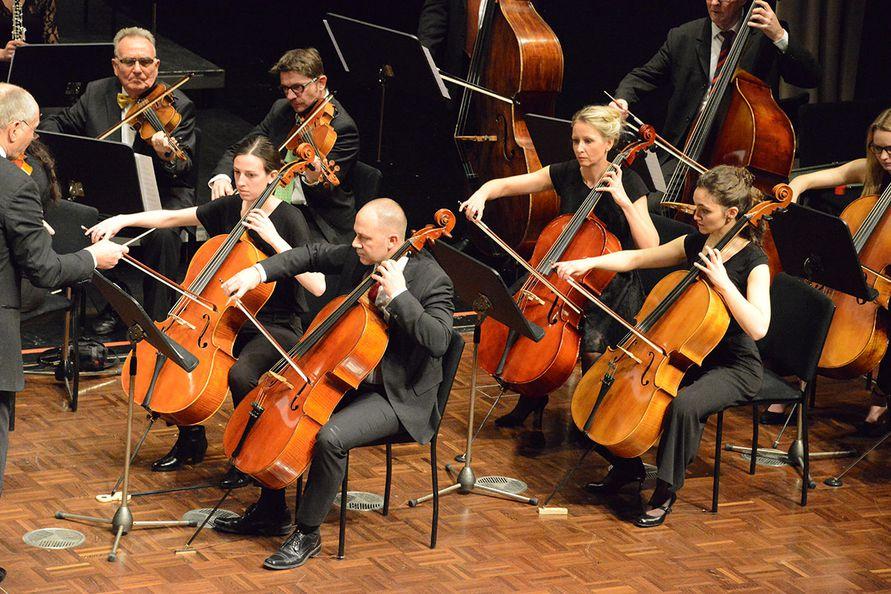 Foto: Zore -Der Cellosatz der Neuen Sinfonie Villach