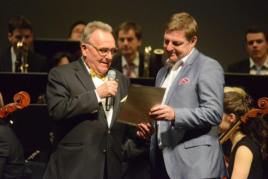 Foto: Zore - Verleihung Ehrenmitgliedschaft  an Bgm. Albel