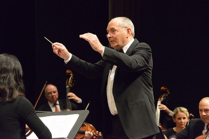 Foto: Zore - Dirigent Prof. Gerhard Kaufmann