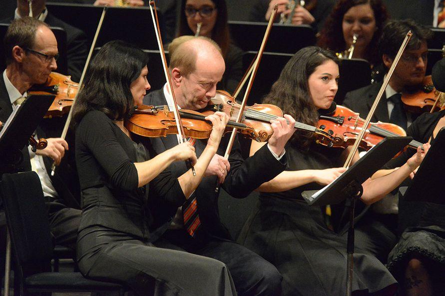 Foto: Zore - Konzertmeisterin Anja Wobak-Eder