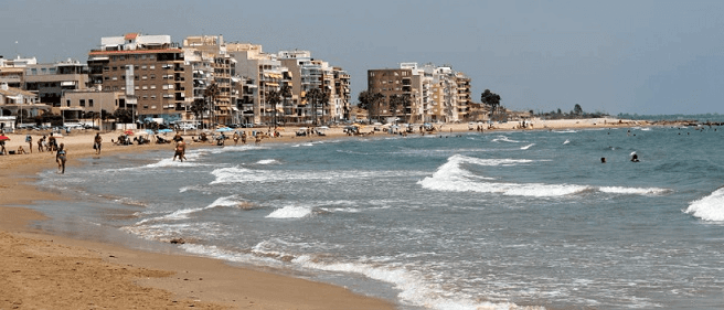 Playa de Burriana en la Comunidad Valenciana ( España)