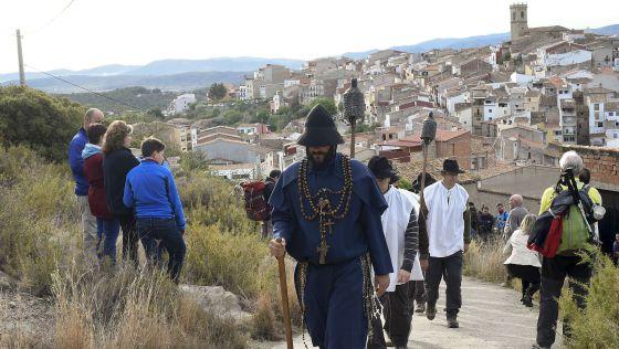 El peregrinaje, de cerca de setenta kilómetros, se hace en dos jornadas: la primera va desde les Useres, en l'Alcalatén, hasta Sant Joan, y la segunda recorre el camino inverso.