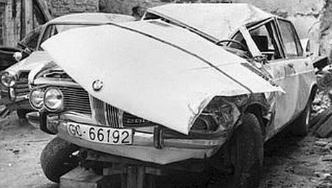 """Así quedó el coche de Nino Bravo """"cantante Valenciano""""  tras el accidente donde murió en Cuenca."""