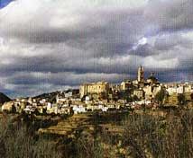 Chelva se encuentra a una distancia desde València: 72 kilómetros (50 minutos en coche)