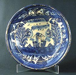 Plato de ceràmica del pueblo  Manises Comunidad Valenciana