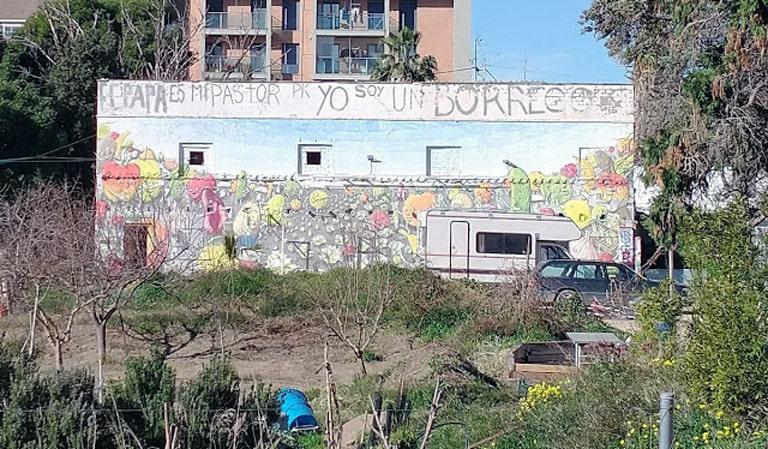 Una Alquerías más y tierras de alrededor OKUPADAS por anarquistas y antisistema y otros  en Benimaclet, València.