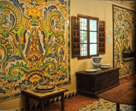La fábrica. La Cerámica Valenciana. Permite conocer la artesanía típica de Manises.