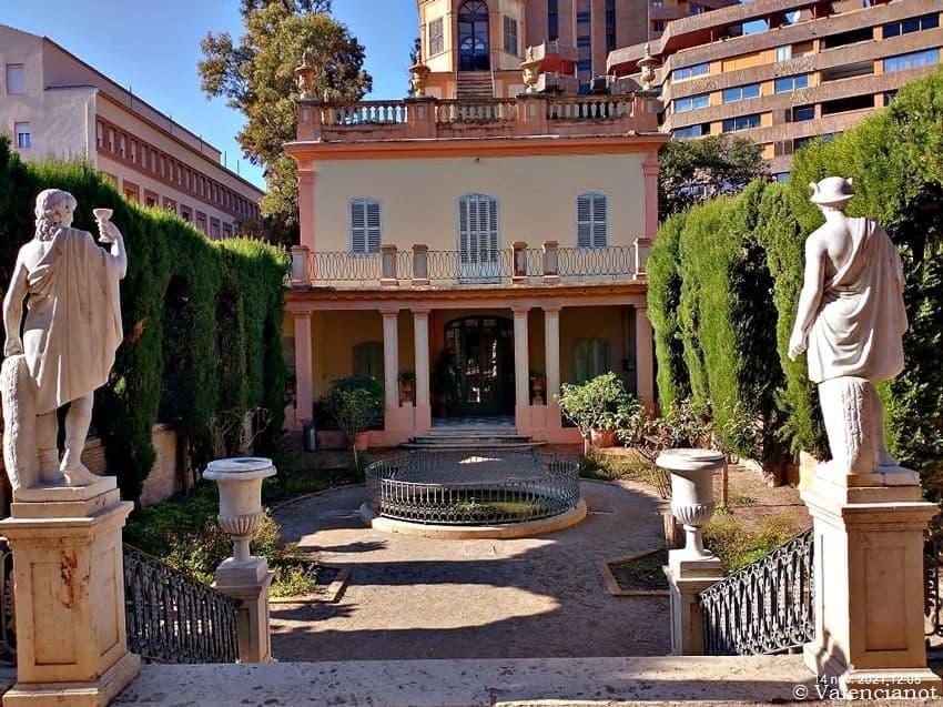 Palacete de Monforte donde se celebran bodas civiles en Valencia desde el interior.
