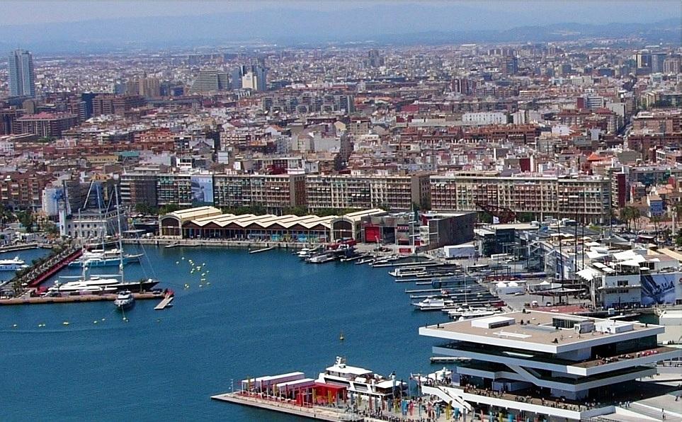 Puerto de Valencia visto desde el aire.