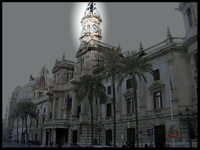 """Ayuntamiento de Valencia, Comunidad Valenciana  """"España"""" fue construido en el S. XVIII, antiguamente era una escuela de niñas."""