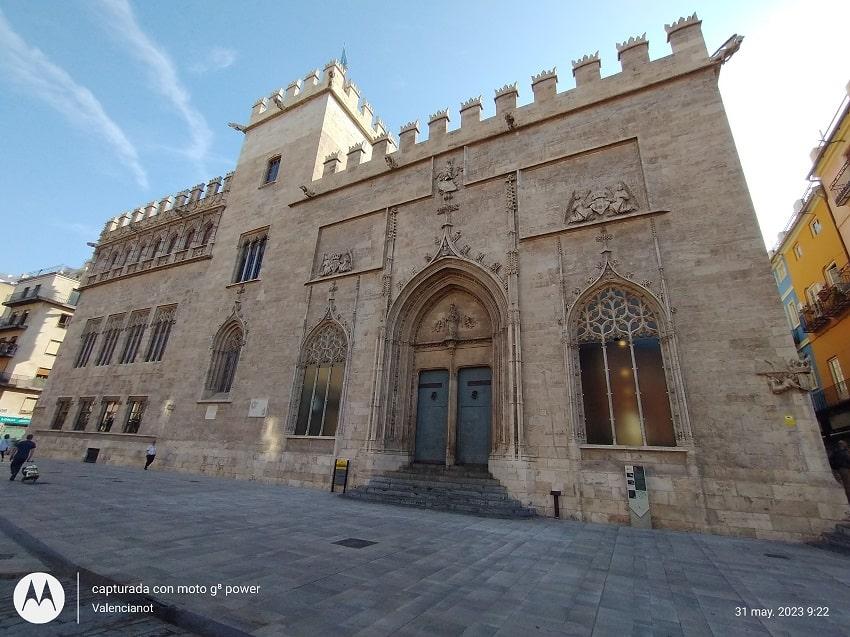 La Lonja de la Seda o de Mercaderes, es uno de los edificios emblemáticos de la ciudad de Valencia.