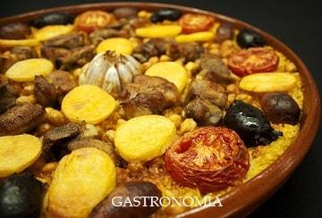 Recetas de la  gastronomía  mediterránea valenciana   tradicional o casera .