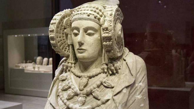 En el yacimiento de La Alcudia, se encontró de la Dama de Elche en agosto de 1897