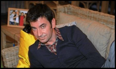 """Arturo Valls, actualmente tiene un exitoso programa en televisión; Por otro lado, a sido elegido mejor presentador por """"Ahora Caigo"""" en la 61ª edición de los Premios Ondas 2014."""
