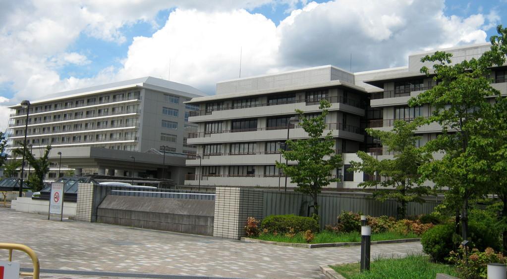 京大病院。大きいですよ。Kyoto university  hospital