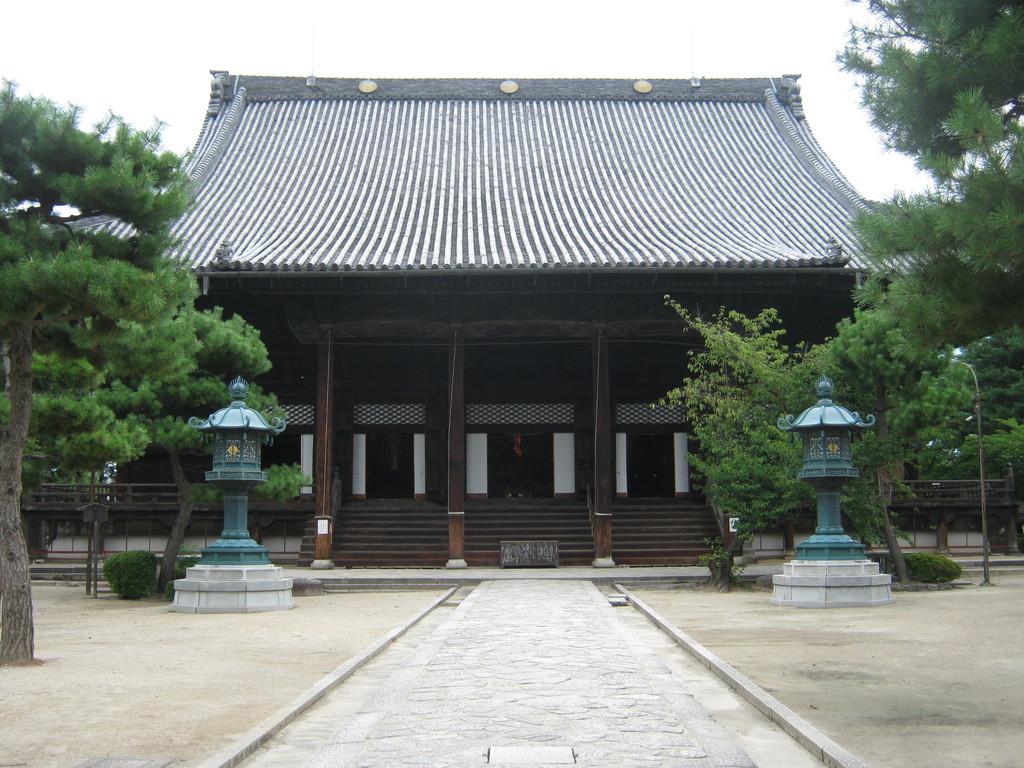 知恩寺境内 Chionji temple