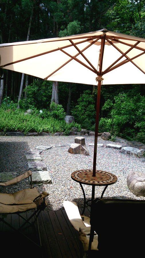 庭とガーデンデッキ