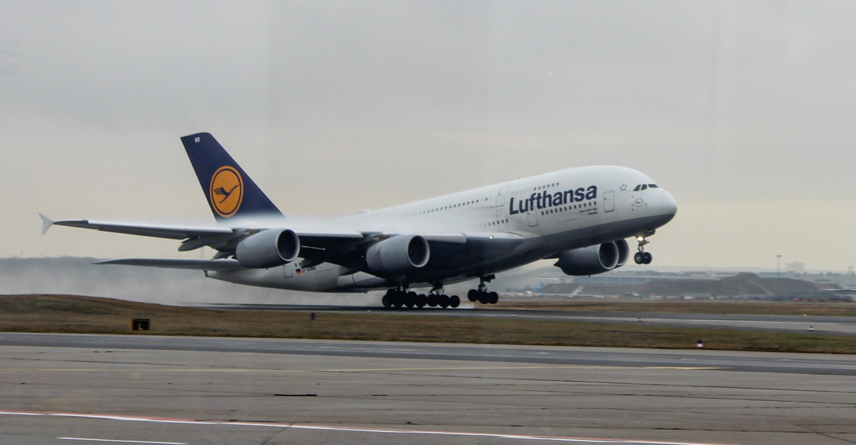 Mistake Pilot has taken Squawk 7500 - german-spottings Webseite!
