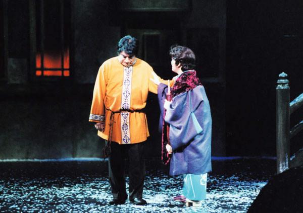 ミミはロドルフォとの関係がうまく行っていないことを、 マルチェッロにうち明けるのでした。