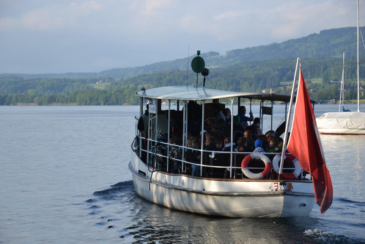 Jugendfischen Überfahrt mit dem Schiff