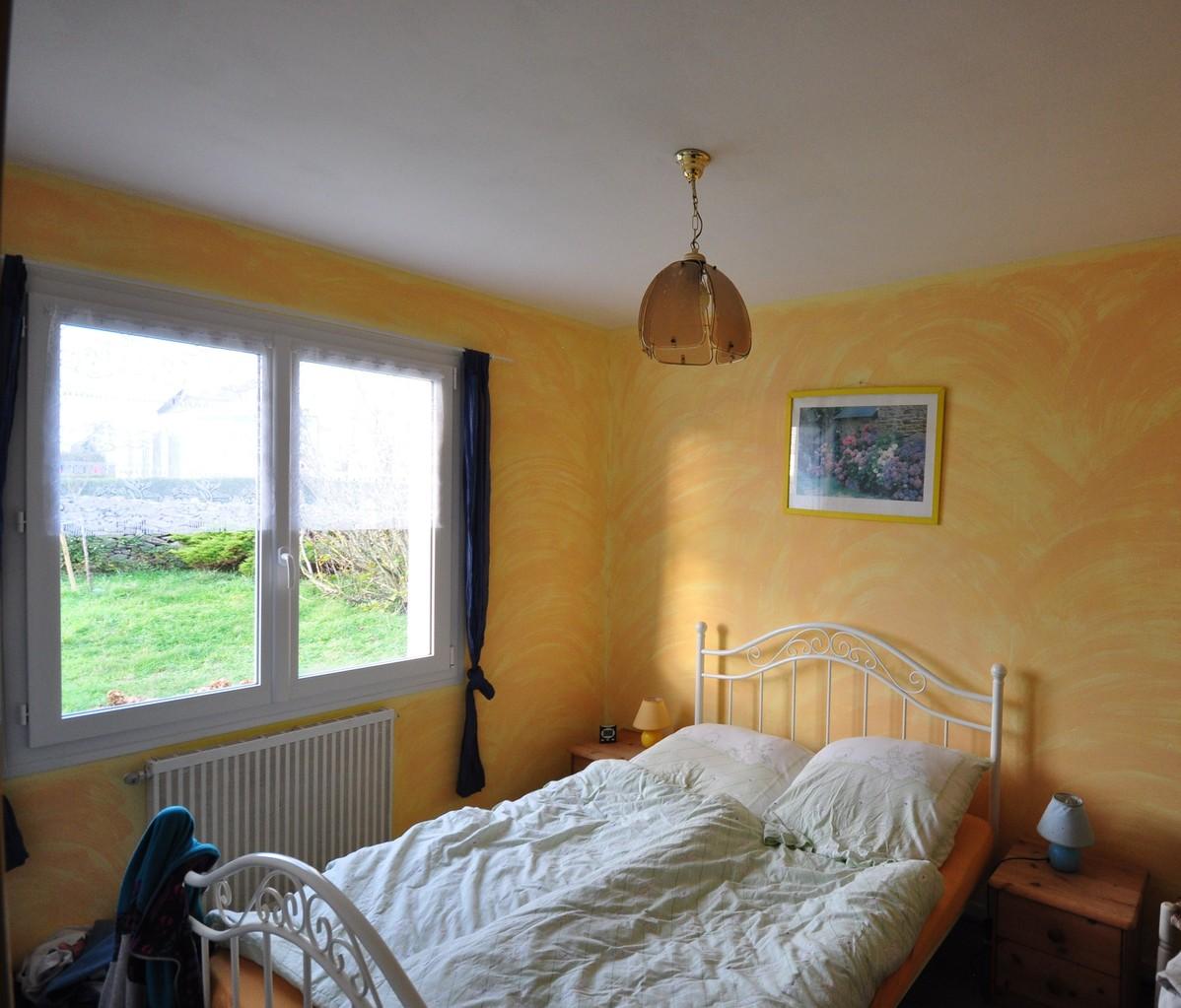 Schlafzimmer unten, Bett 140cm